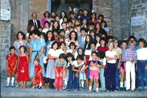 il gruppo di bambini presente al matrimonio di Valeria e michele nel 1979