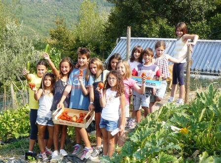 orto bambini in raccolta